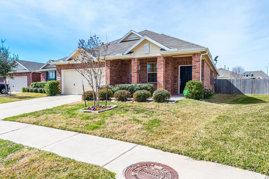 Photo of home for sale at 21726 Mid Peak Way, Katy TX