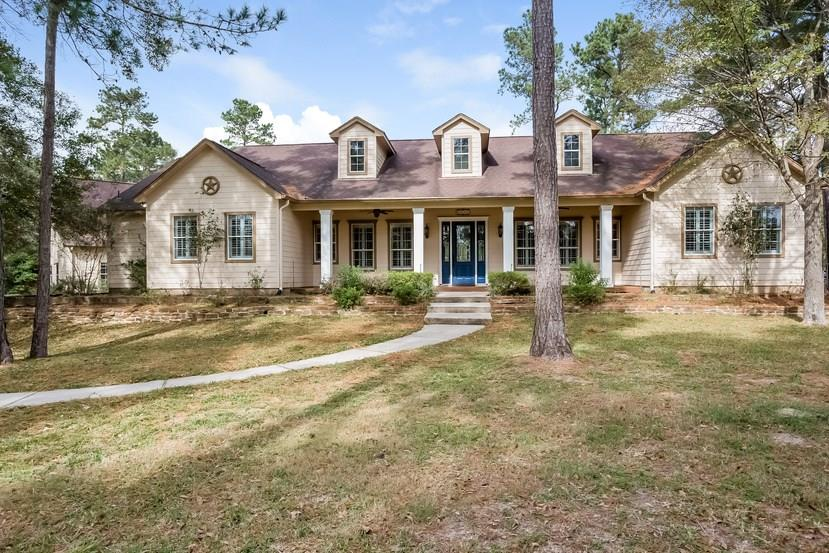 Photo of home for sale at 28233 Forest Green Drive, Magnolia TX