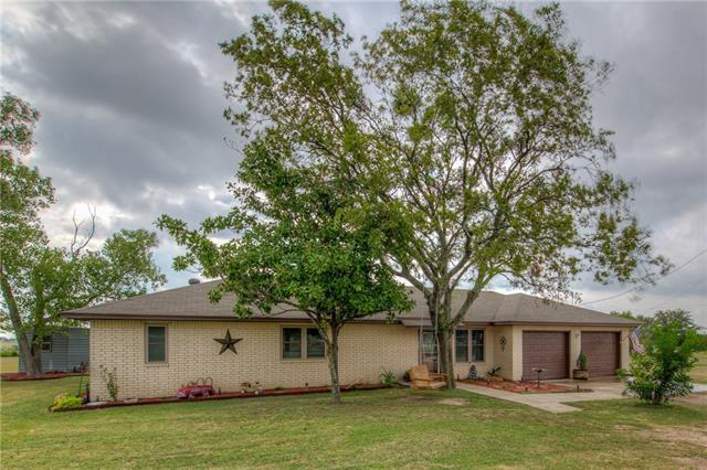 Photo of home for sale at 13200 Interstate 35 N, Jarrell TX