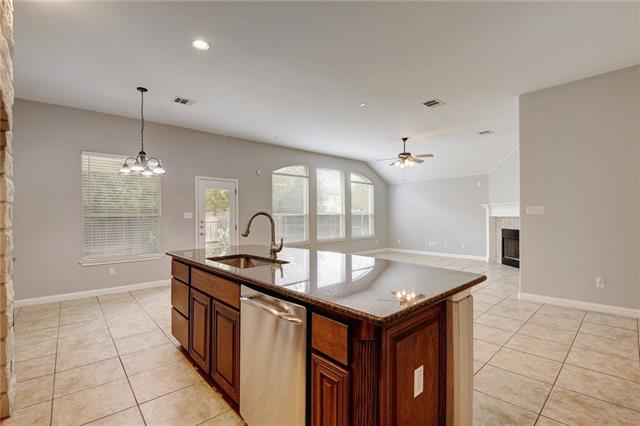 Photo of home for sale at 904 Fork Ridge PATH, Round Rock TX