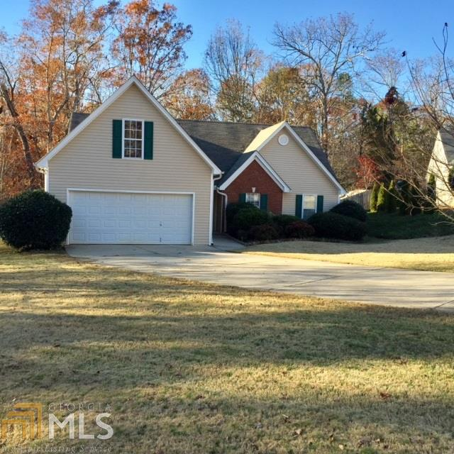Photo of home for sale at 5478 Evergreen Forest Ct, Flowery Branch GA