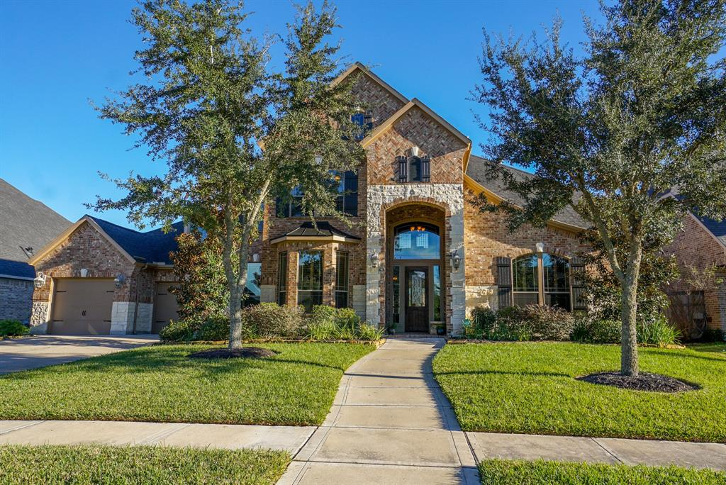 Photo of home for sale at 28510 Wild Mustang Lane, Fulshear TX