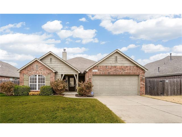 Photo of home for sale at 18701 49th Place E, Tulsa OK