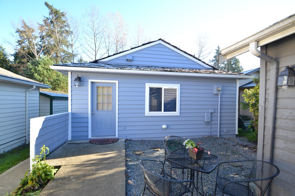 Photo of home for sale at 216 N 23rd St, Mount Vernon WA