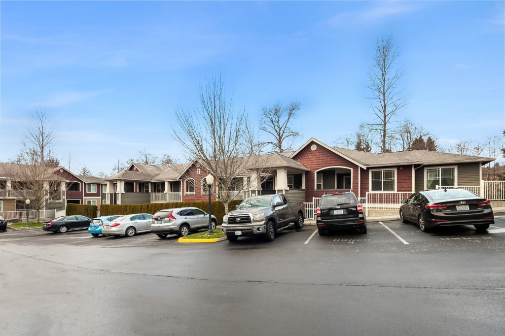 Photo of home for sale at 15302 40th Ave W, Lynnwood WA
