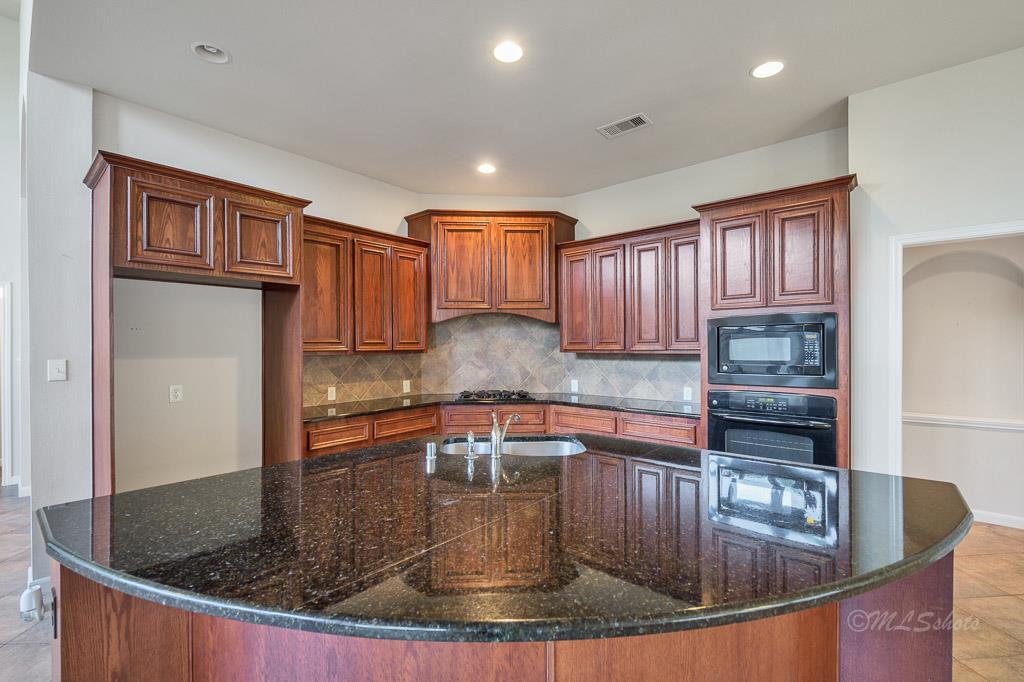 Photo of home for sale at 2211 Cactus Finch, Katy TX