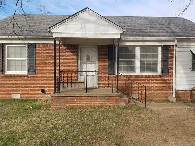 Photo of home for sale at 1421 62nd Street E, Tulsa OK
