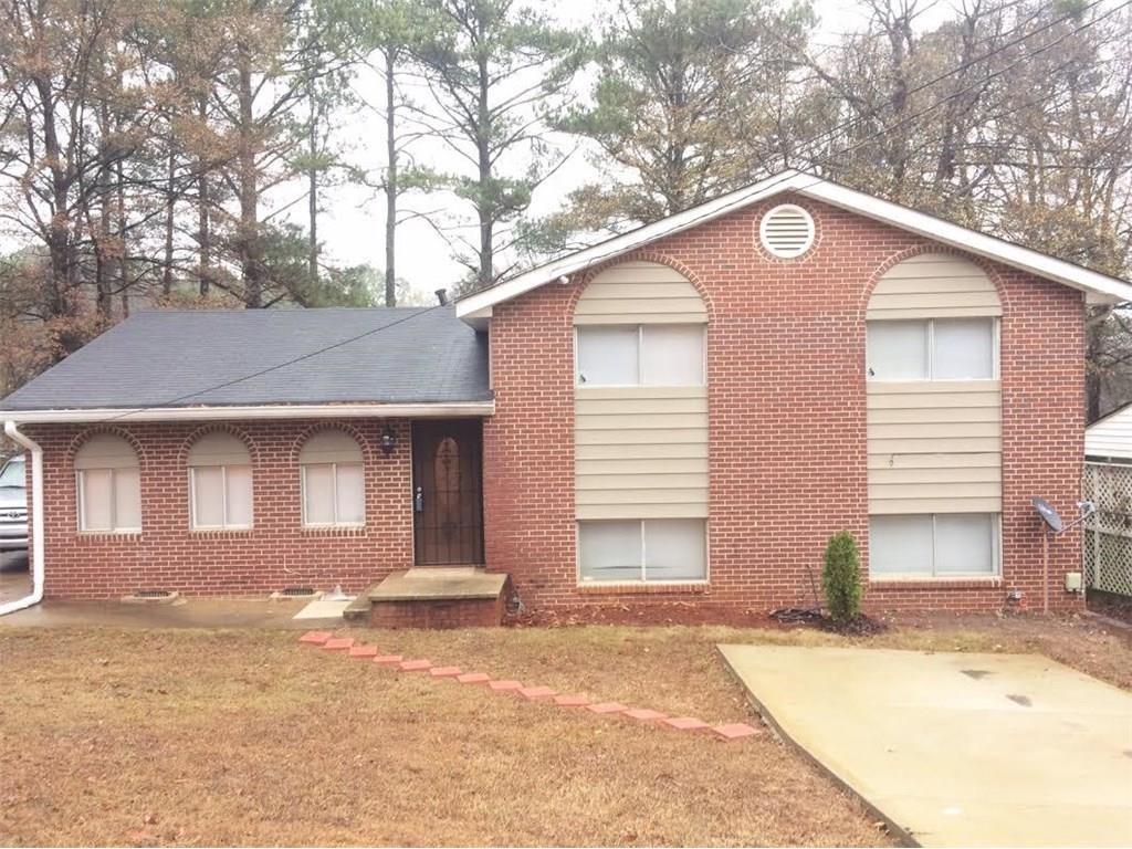 Photo of home for sale at 6638 Imperial Dr, Morrow GA