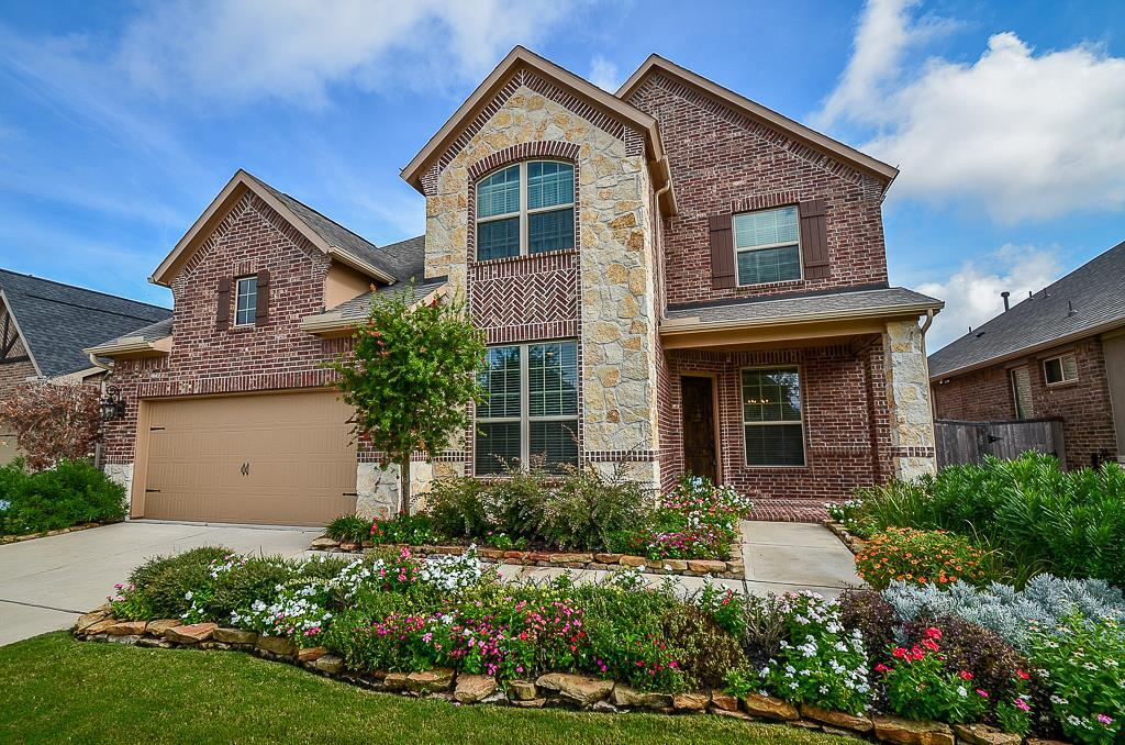 Photo of home for sale at 27914 Fable Glen Lane, Katy TX
