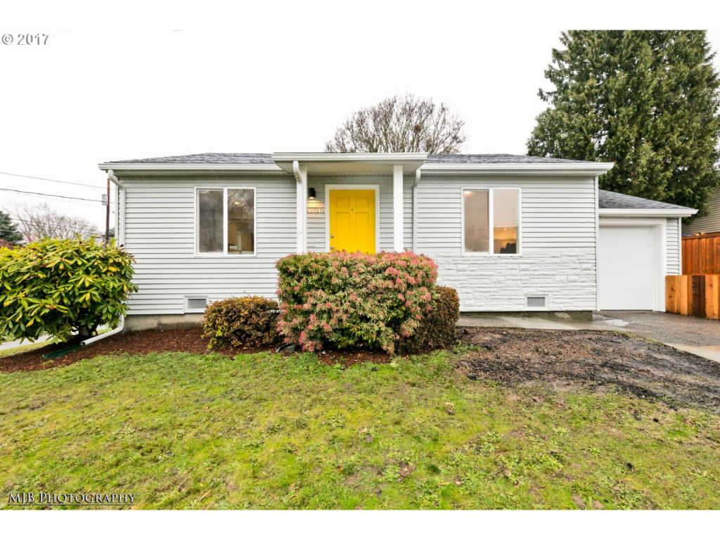 Photo of home for sale at 3705 LONG ST SE, Portland OR