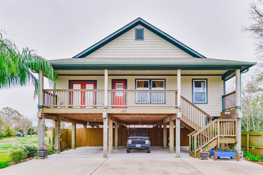 Photo of home for sale at 100 7th Street W, Kemah TX