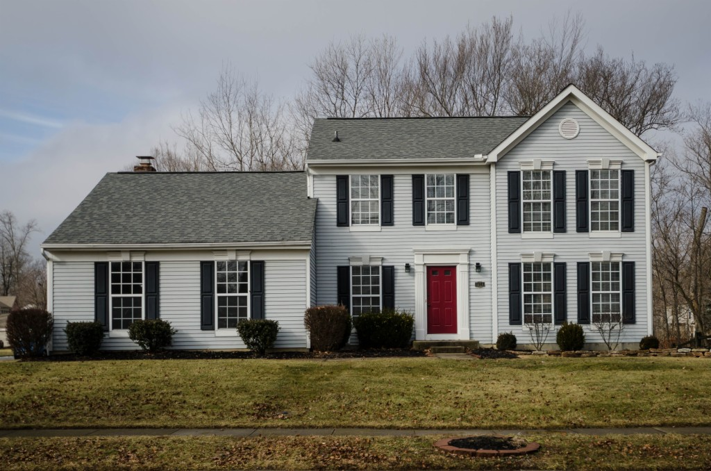 Photo of home for sale at 1134 Forest Run Dr, Batavia OH