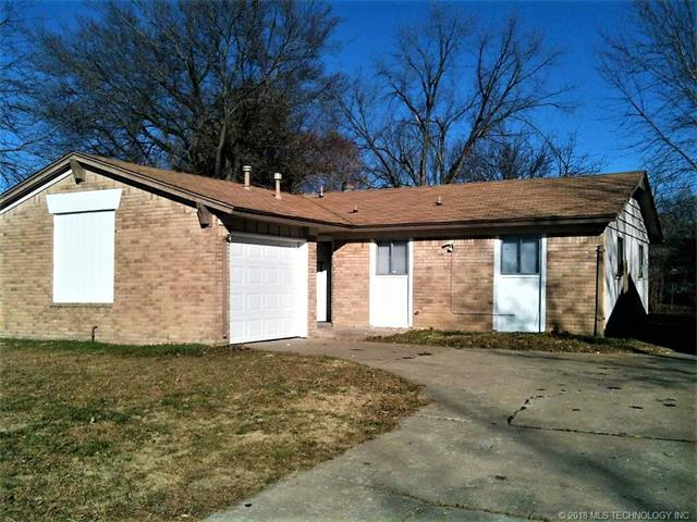 Photo of home for sale at 11435 38th Street E, Tulsa OK