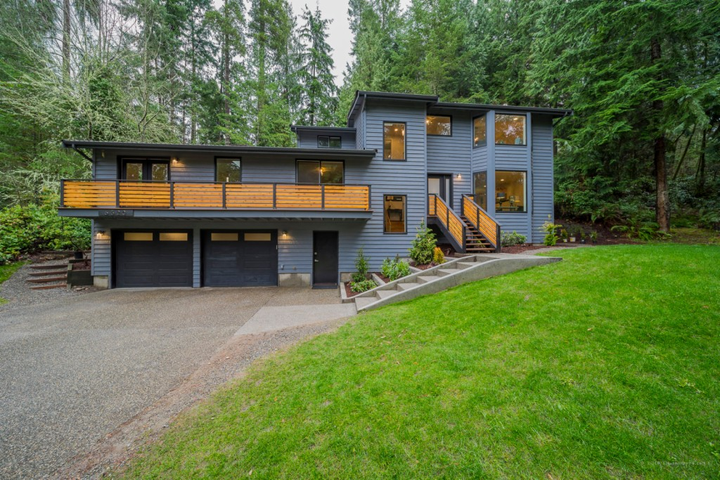 Photo of home for sale at 6520 Fisher Rd, Edmonds WA