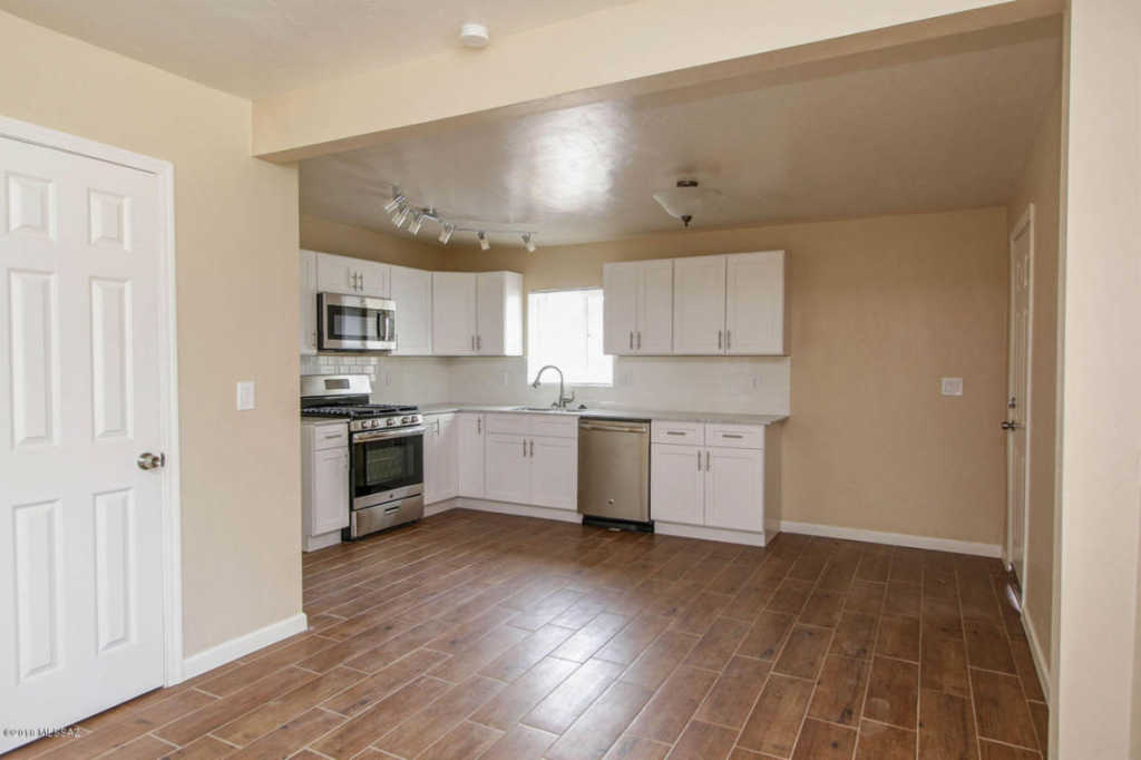 Photo of home for sale at 4520 Bellevue Street E, Tucson AZ