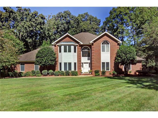 Photo of home for sale at 3221 Meadow Rue Lane, Statesville NC