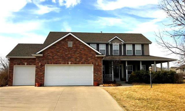 Photo of home for sale at 4609 Wilshire Drive S, St Joseph MO