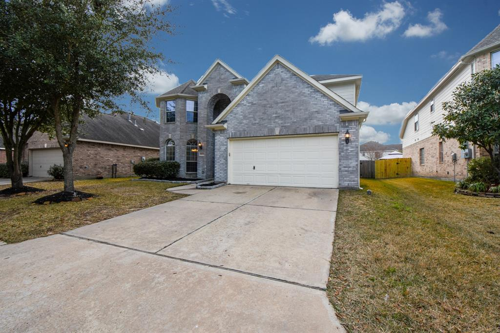 Photo of home for sale at 30419 Avera Creek Drive, Spring TX