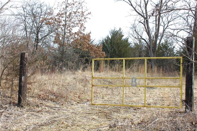 Photo of home for sale at 000 Stillwell Road, Linwood KS