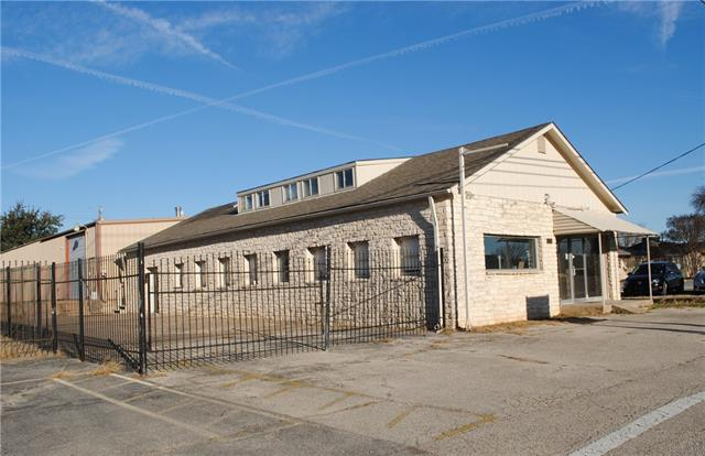 Photo of home for sale at 2104 Austin AVE N, Georgetown TX