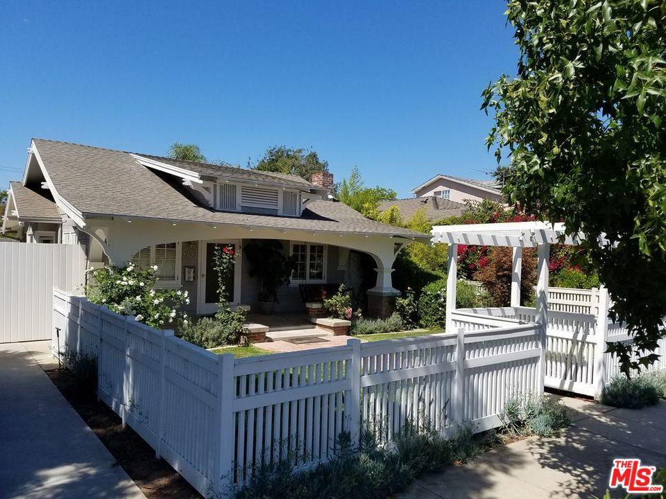 Photo of home for sale at 3677 OCEAN VIEW Avenue, Los Angeles CA