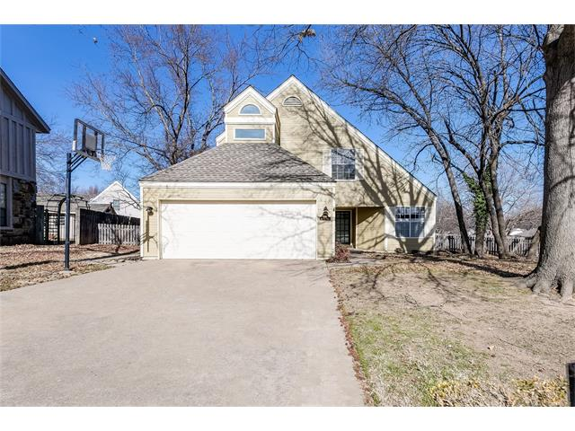 Photo of home for sale at 6315 76th Place E, Tulsa OK