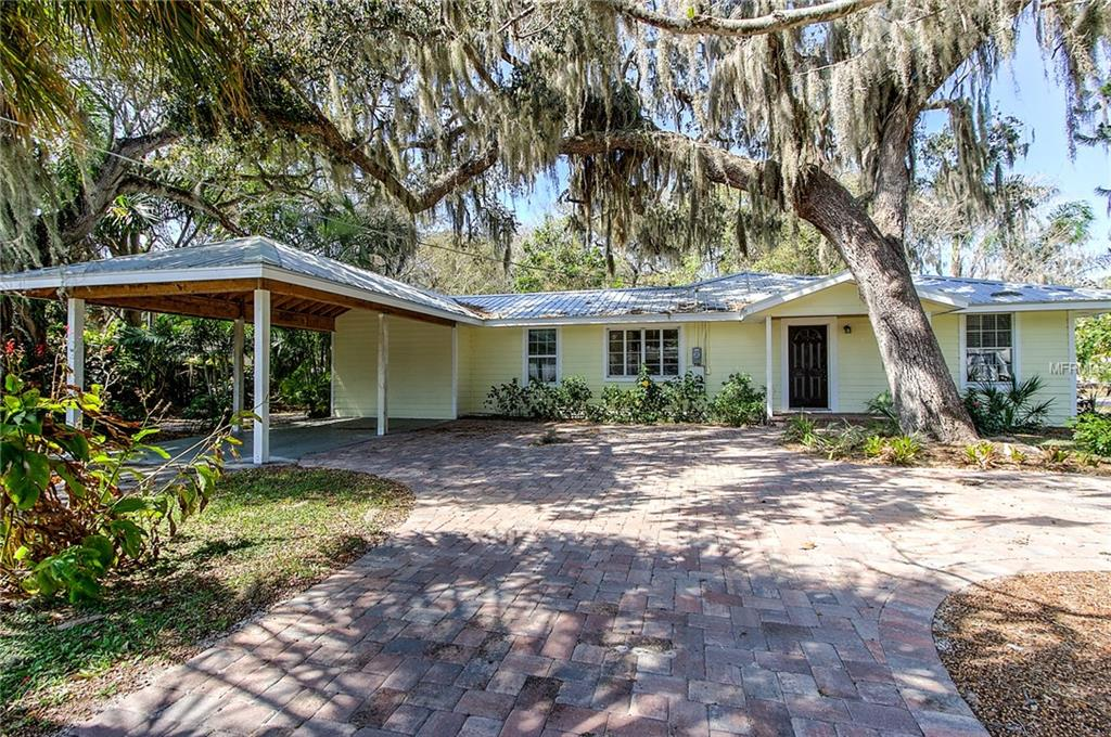 Photo of home for sale at 1840 2ND AVENUE, Bradenton FL