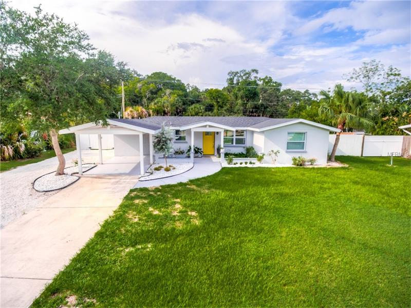 Photo of home for sale at 2410 GULF GATE DRIVE, Sarasota FL