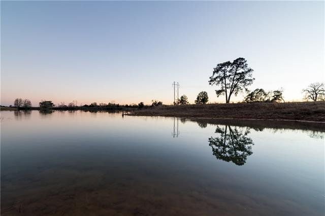 Photo of home for sale at 2008A Fm 2104, Paige TX