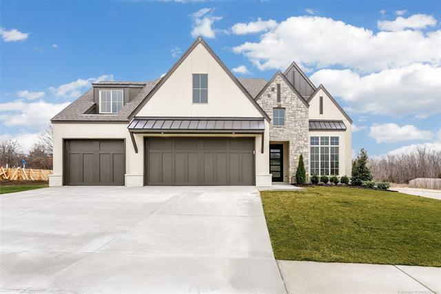 Photo of home for sale at 2627 136th Street E, Bixby OK