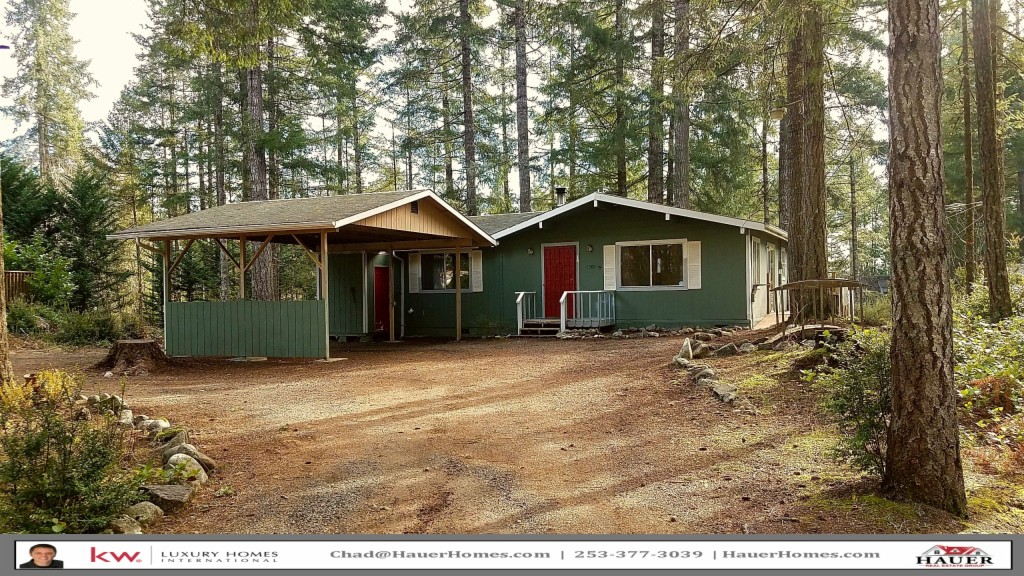 Photo of home for sale at 1580 E St. Andrews Dr, Shelton WA