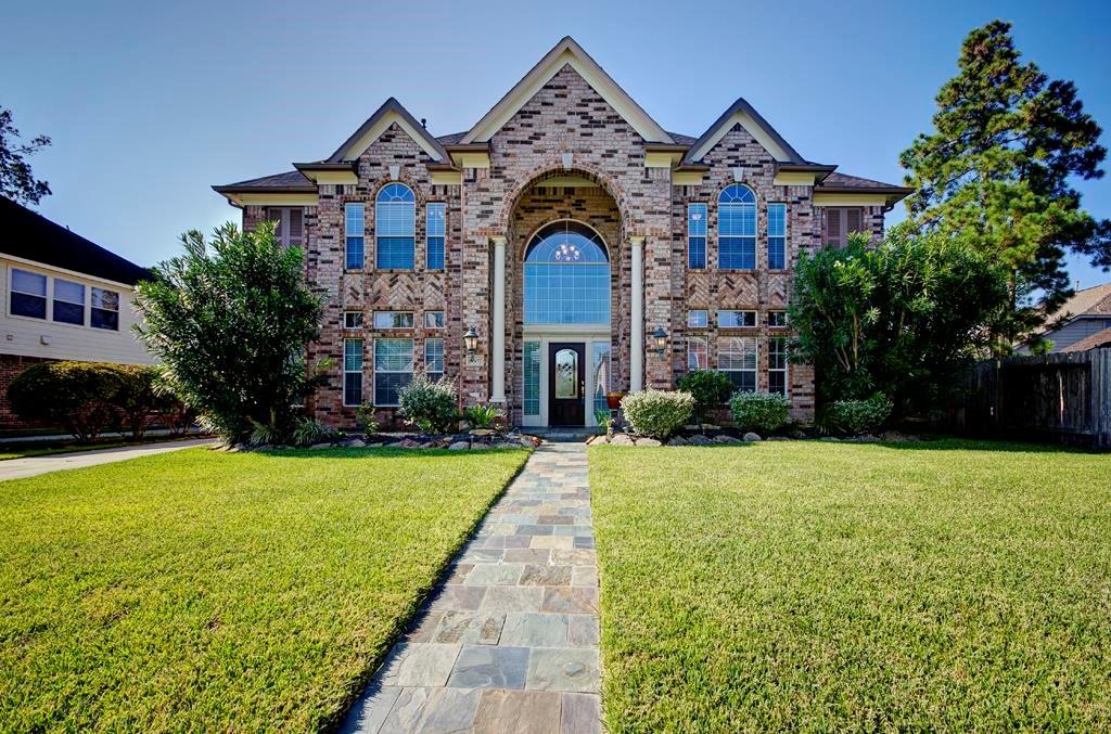 Photo of home for sale at 6507 Quiet Pointe Drive, Spring TX