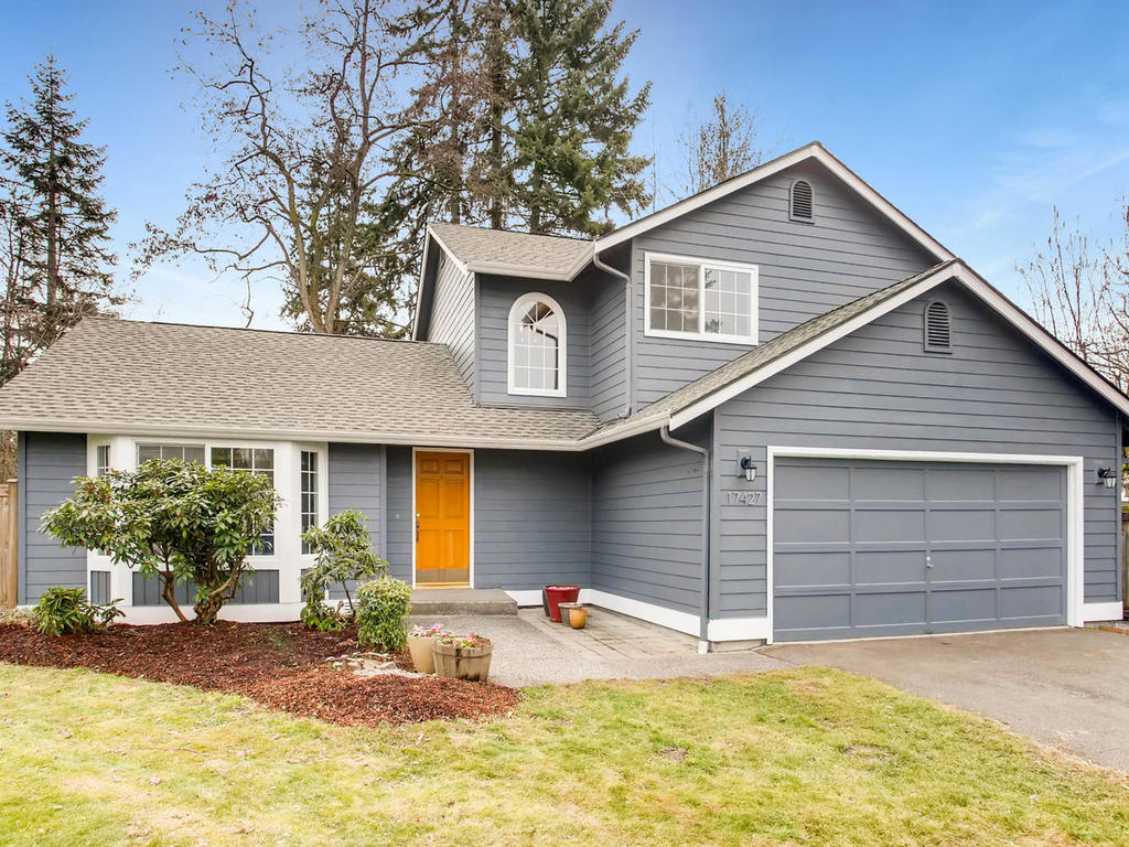Photo of home for sale at 17427 Spruce Wy, Lynnwood WA