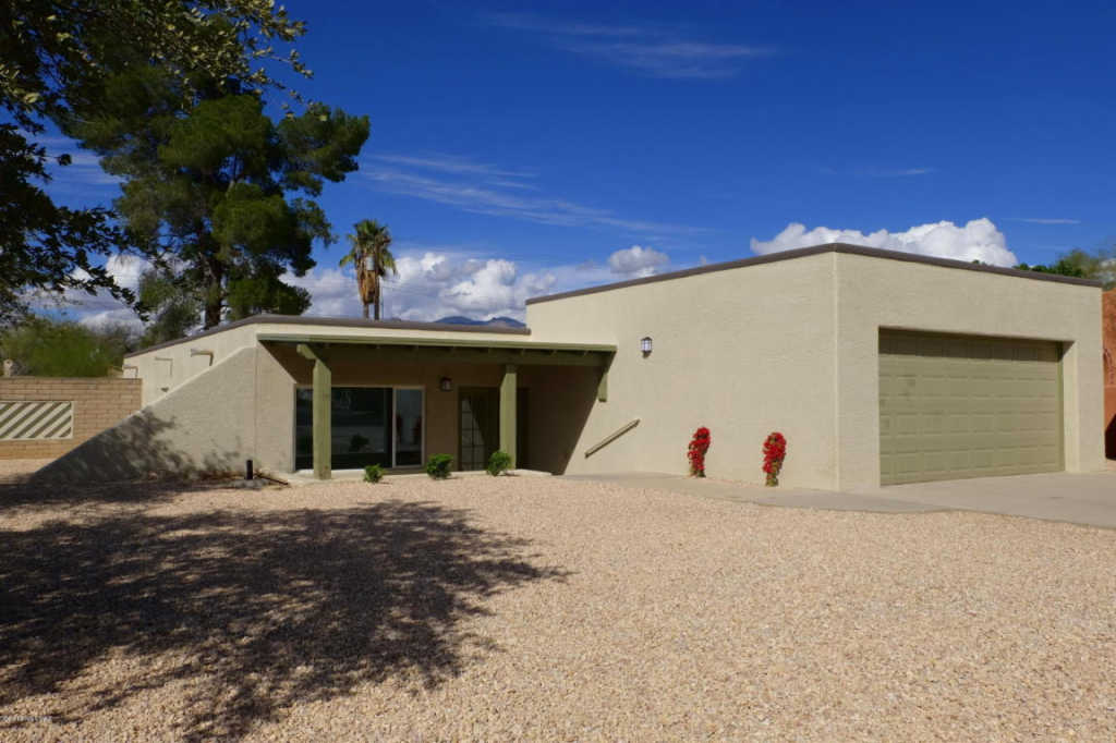 Photo of home for sale at 1309 Spring Street E, Tucson AZ