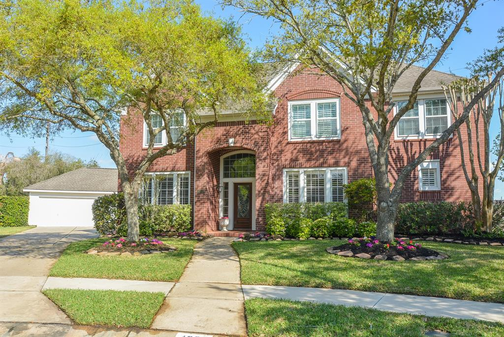 Photo of home for sale at 4203 Canterbury Court, Sugar Land TX