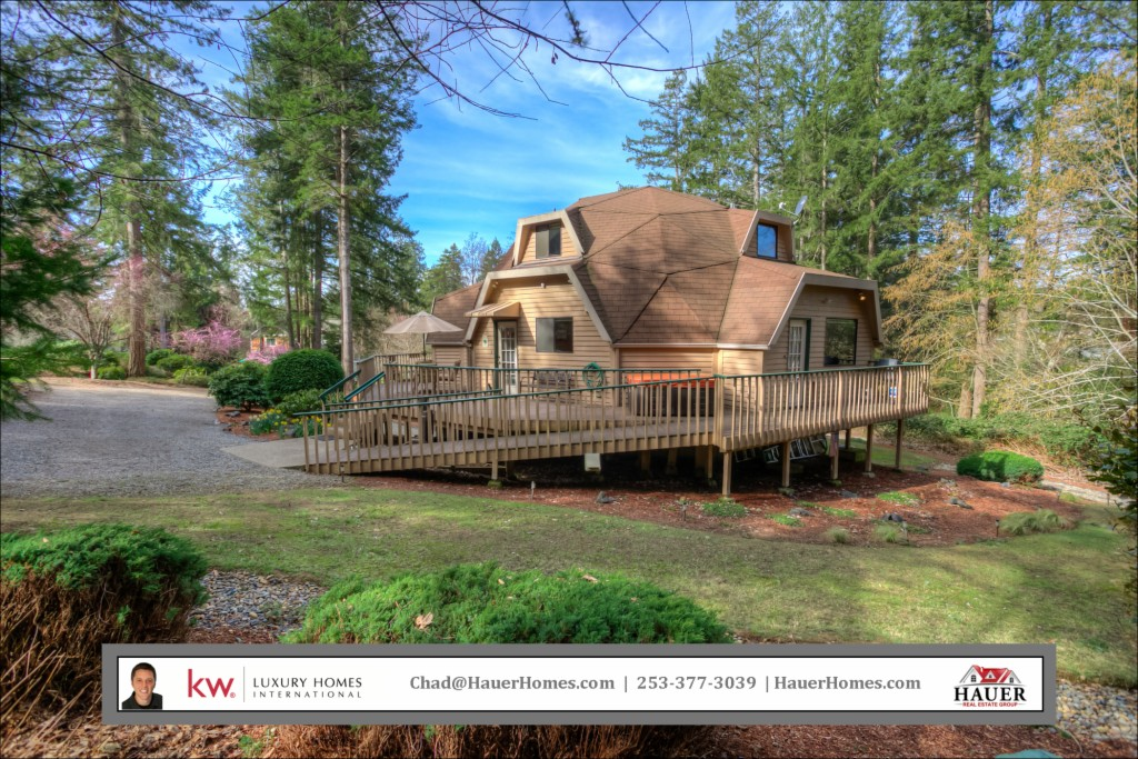 Photo of home for sale at 8415 88th St Ct Nw, Gig Harbor WA