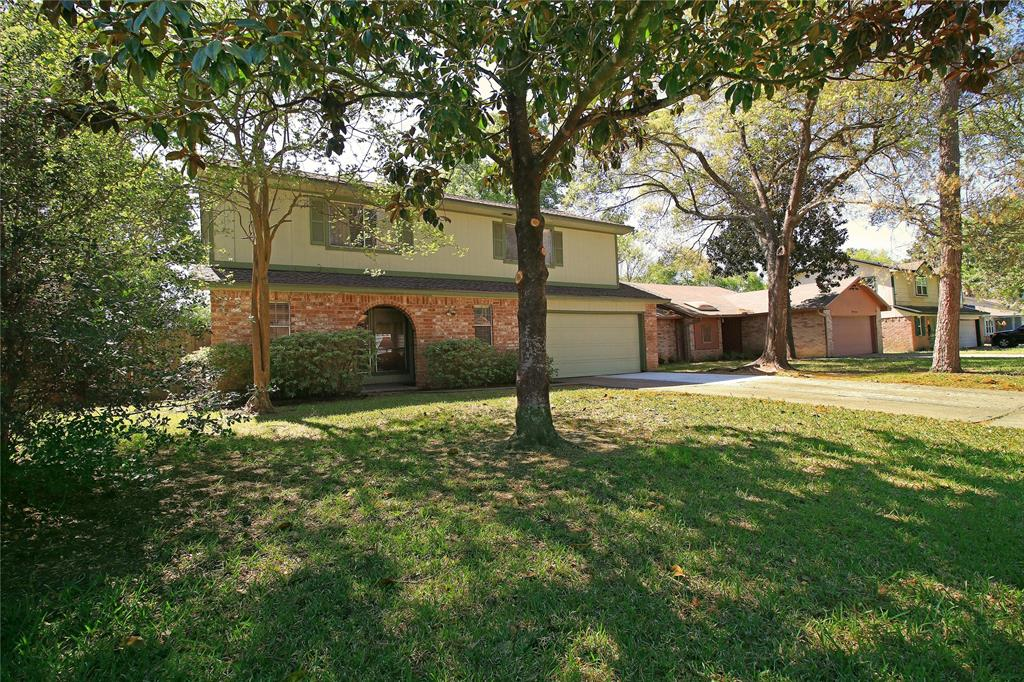Photo of home for sale at 5018 Glendower Drive, Spring TX
