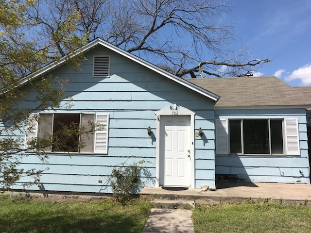 Photo of home for sale at 702 Main ST S, Other TX