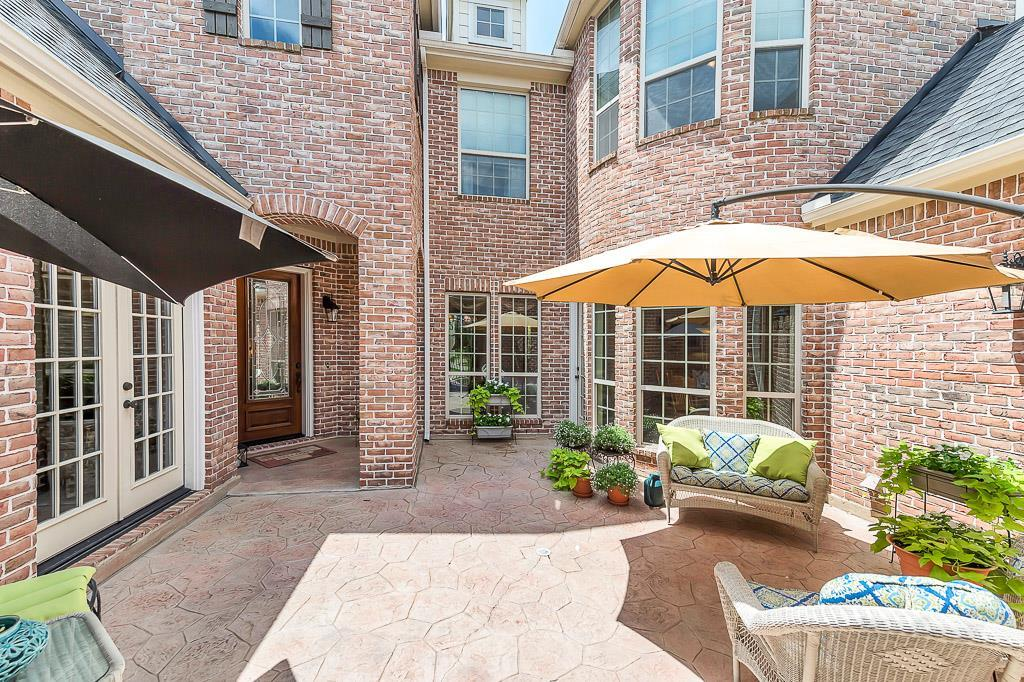 Photo of home for sale at 28519 Firethorne Road S, Katy TX