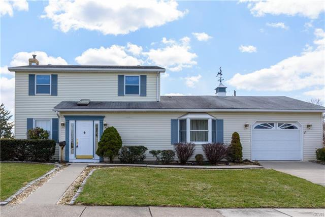 Photo of home for sale at 1638 Lansdale Avenue Avenue, Bethlehem City PA