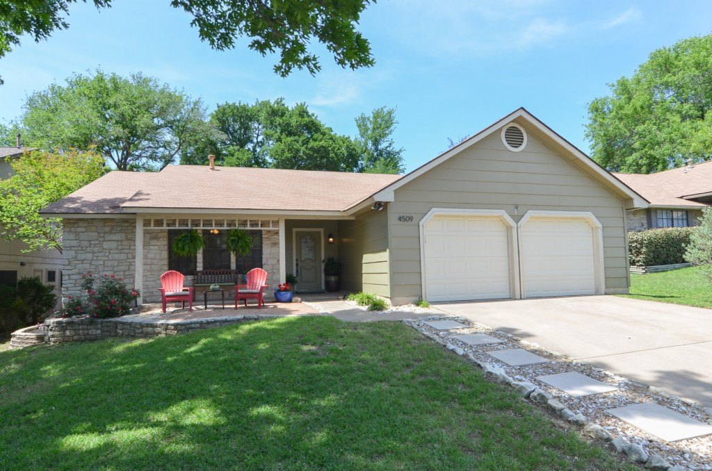 Photo of home for sale at 4509 Sidereal DR, Austin TX