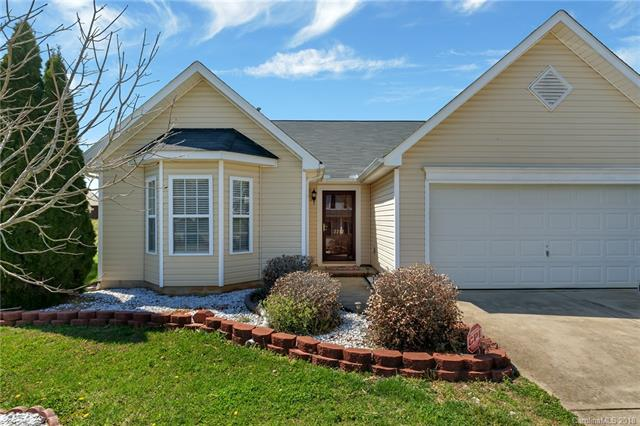 Photo of home for sale at 2247 Wexford Way, Statesville NC