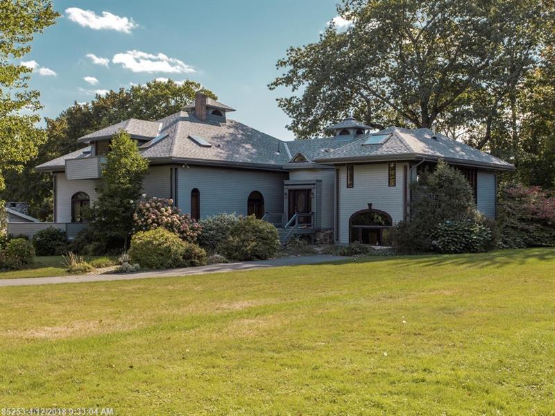 Photo of home for sale at 241 Foreside Rd, Falmouth ME