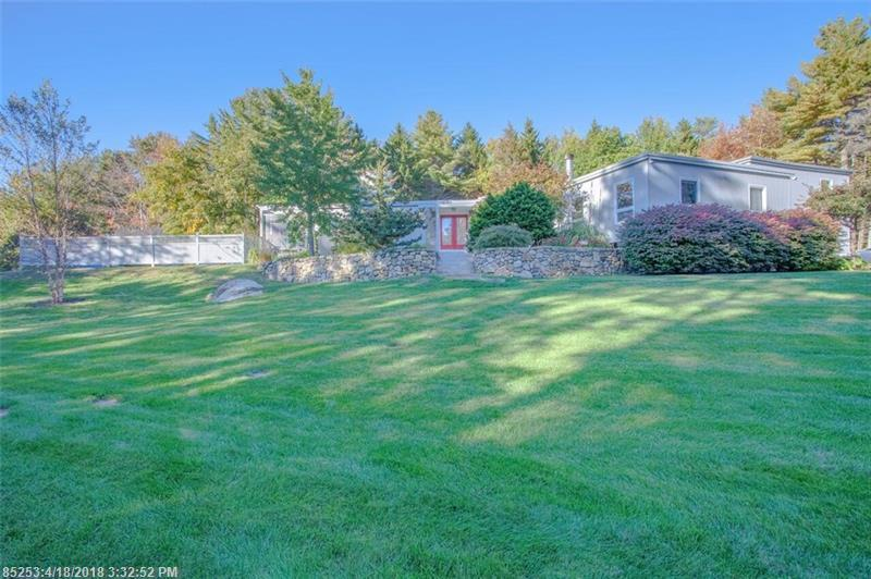 Photo of home for sale at 21 Elizabethan Dr, Kennebunkport ME