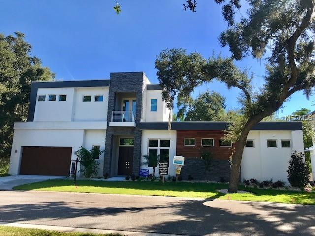 Photo of home for sale at 612 BELLORA WAY, Sarasota FL
