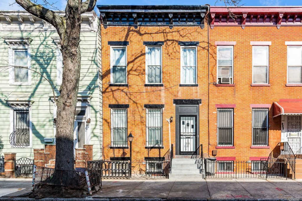 Photo of home for sale at 209 Chauncey St, Bed-Stuy NY