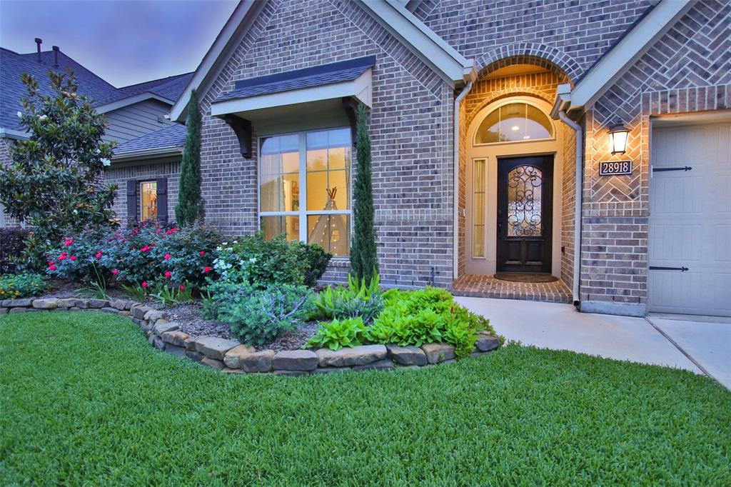 Photo of home for sale at 28918 Havenport Drive, Katy TX