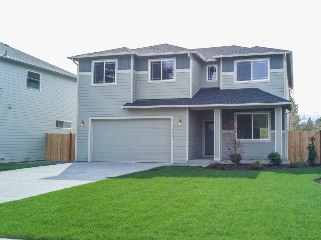 Photo of home for sale at 1716 S Visscher St, Tacoma WA