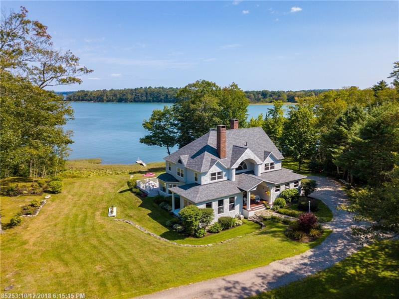Photo of home for sale at 18 Arnold Rd, Freeport ME