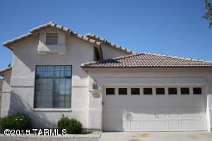 Photo of home for sale at 9149 Dawn Post Road E, Tucson AZ